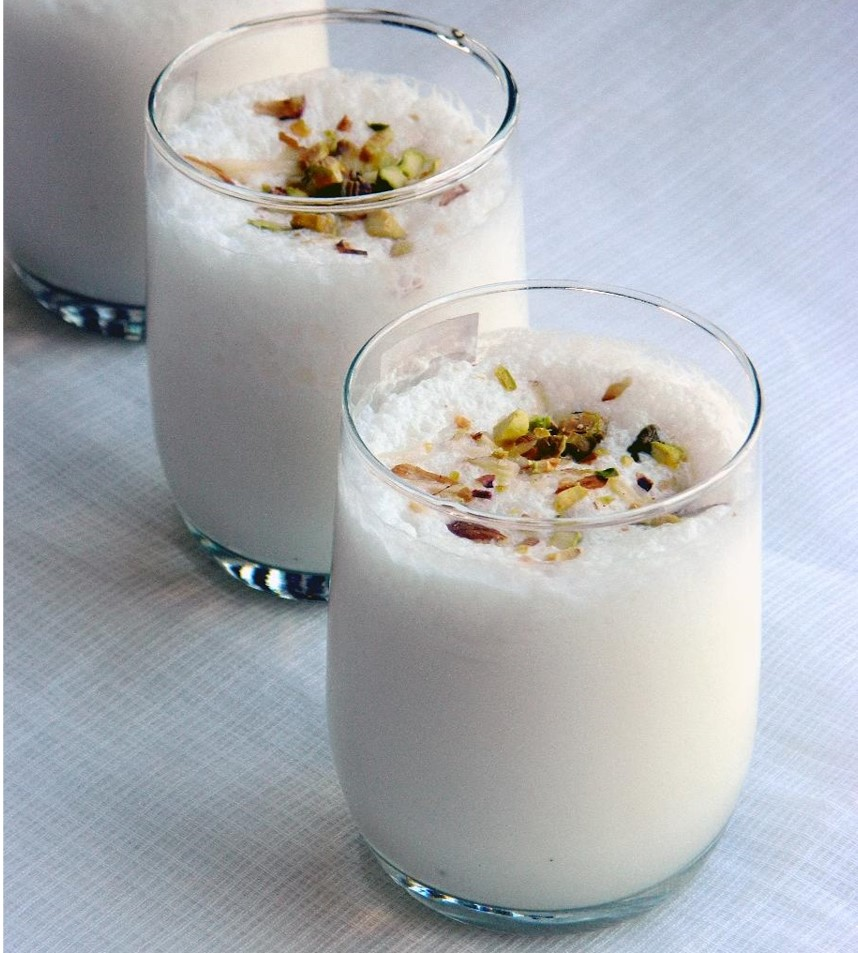 how to make lassi with yogurt